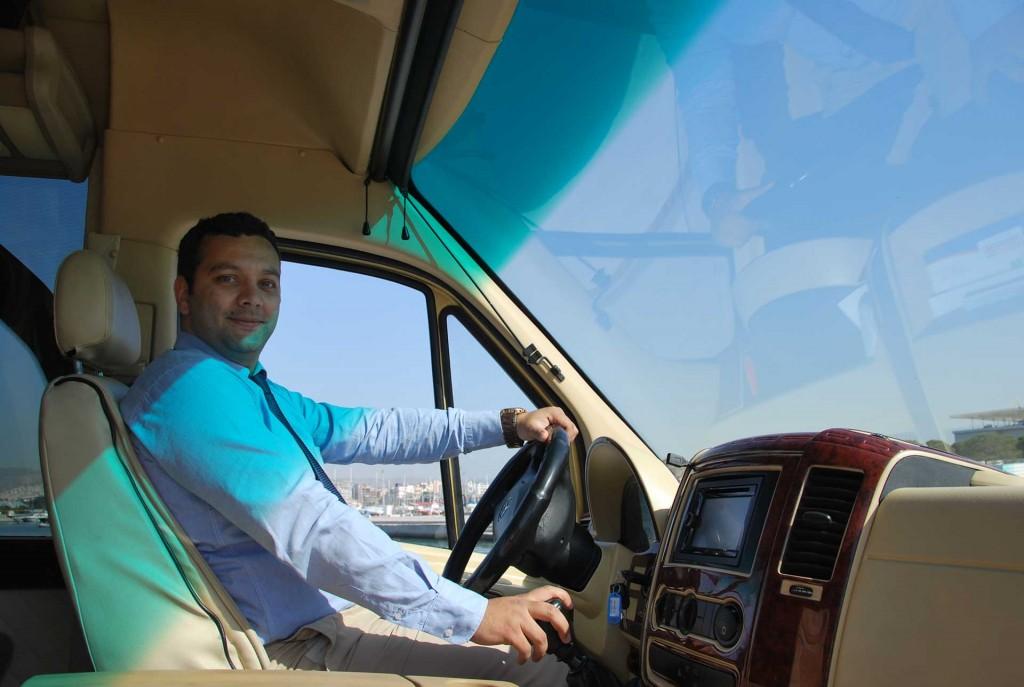 Επαγγελματίες οδηγοί. Πολυτελείς μεταφορές